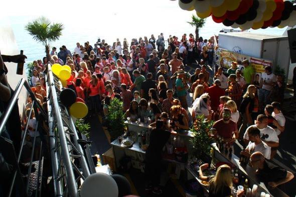 Summer Night - (Deutschland, Bootsurlaub, Partyboot)