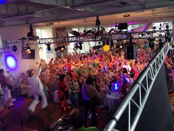 XXL Schlagerboot - (Deutschland, Bootsurlaub, Partyboot)