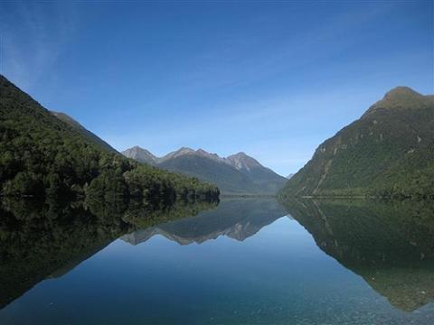 Lake Gunn auf der Straße nach Milford Sound - (Neuseeland, Milford Sound)