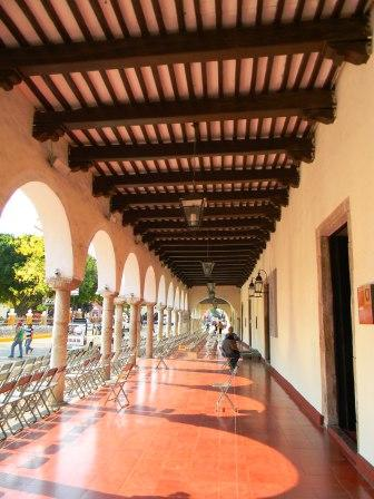 Arkadengänge in Valladolid - (Urlaub, Sehenswürdigkeiten, Insel)