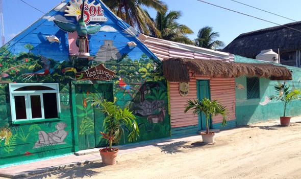 Die bunten Häuser auf der Insel Holbox - (Ausflug, Mexiko, Tipps)