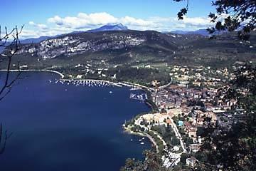 Blick auf Garda am Gardasee - (Italien, Reisezeit, Pompeji)