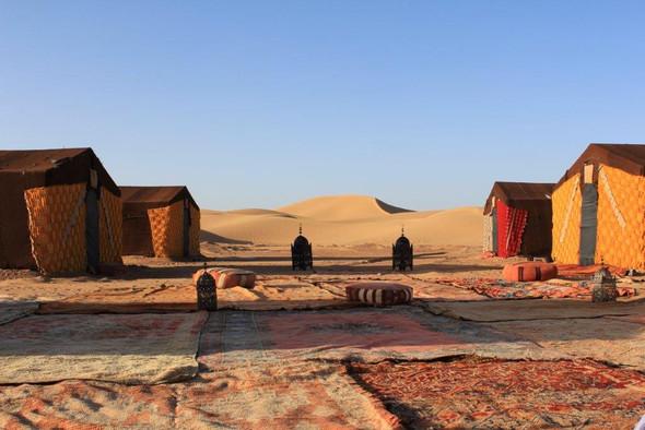 - (Marokko, Marrakesch, Wüstentour)