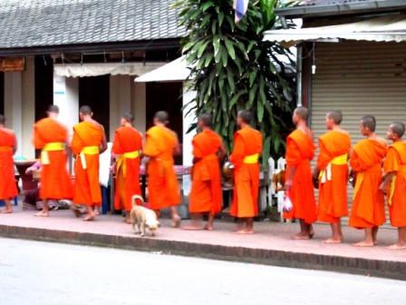 - (Vietnam, Kambodscha, Laos)