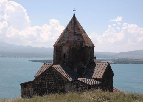 Das Sevankloster am gleichnamigen See - (Reise, Sehenswürdigkeiten, Armenien)
