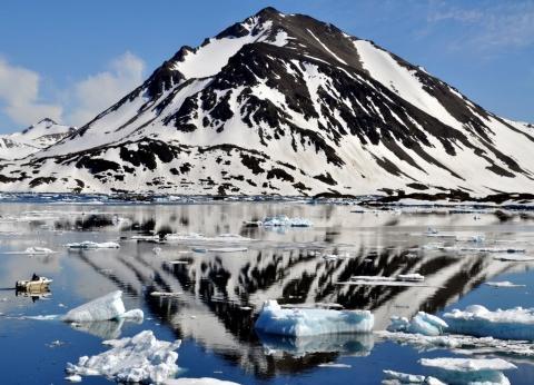 In der Nähe des Airportes von Kulusuk - (Island, Grönland, Reykjavik)