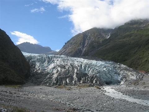Der Franz-Josef-Gletscher. Weiter oben strahlt er in herrlichem weiß und das blau des Gletschereises schimmert durch. - (Neuseeland, Gletscher, Fox-Glacier)